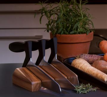 Knife_block_with_knives_with_herbs_square_360x