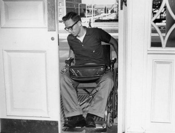 Vybíráte invalidní vozík? Zaměřte se na jeho šířku!